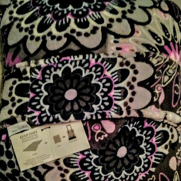 Vera Bradley Other - Vera Bradley Fleece Travel Blanket